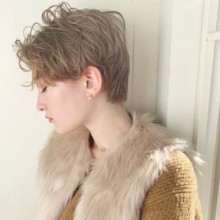 パーマ アウトドア デート 黒髪 ヘアスタイルや髪型の写真・画像