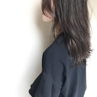 巻き髪 波ウェーブ オフィス ナチュラル ヘアスタイルや髪型の写真・画像 ヘアスタイルや髪型の写真・画像