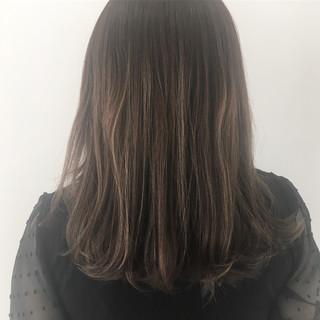 ミディアム アッシュブラウン 外国人風カラー ハイライト ヘアスタイルや髪型の写真・画像