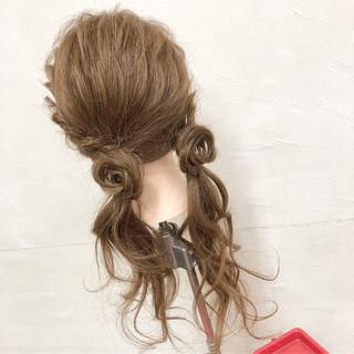 ロング ヘアアレンジ ツインテール フェミニン ヘアスタイルや髪型の写真・画像