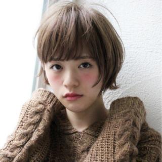 大人女子 小顔 ボブ アッシュ ヘアスタイルや髪型の写真・画像
