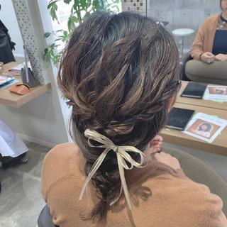 編みおろし ミディアム お呼ばれヘア ふんわり ヘアスタイルや髪型の写真・画像