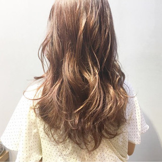 ナチュラル アッシュベージュ ラベンダーピンク ピンクベージュ ヘアスタイルや髪型の写真・画像