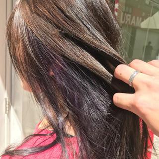 ブリーチ ロング インナーカラー フェミニン ヘアスタイルや髪型の写真・画像
