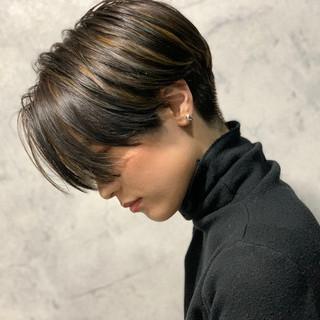 モード ショートボブ 極細ハイライト ハンサムショート ヘアスタイルや髪型の写真・画像
