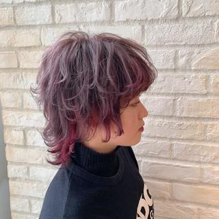 ショート ベリーショート インナーカラー ウルフカット ヘアスタイルや髪型の写真・画像