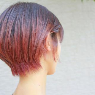 ピンク 透明感 レッド ショートボブ ヘアスタイルや髪型の写真・画像
