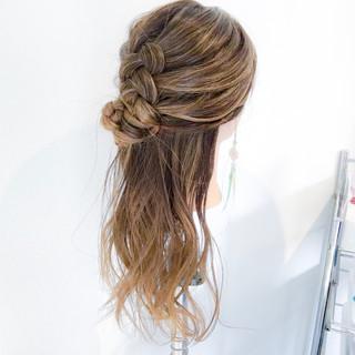 エレガント 編み込み デート 簡単ヘアアレンジ ヘアスタイルや髪型の写真・画像