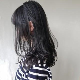 透明感 アッシュ カール アッシュブラック ヘアスタイルや髪型の写真・画像