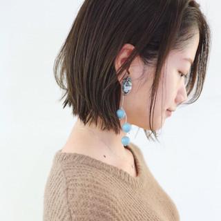 レイヤーカット くせ毛風 グレージュ ナチュラル ヘアスタイルや髪型の写真・画像 ヘアスタイルや髪型の写真・画像