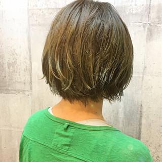 グラデーションカラー ナチュラル グリーン 切りっぱなし ヘアスタイルや髪型の写真・画像