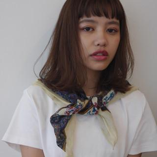 鎖骨ミディアム 外国人風 ミディアムレイヤー ナチュラル ヘアスタイルや髪型の写真・画像