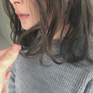 インナーカラー ミルクティー ナチュラル 大人かわいい ヘアスタイルや髪型の写真・画像