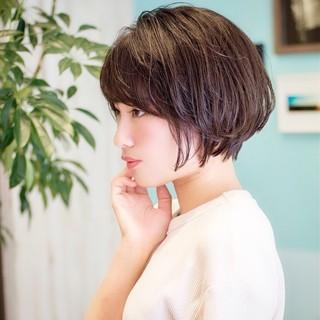 フェミニン ショートボブ 耳かけ ショート ヘアスタイルや髪型の写真・画像