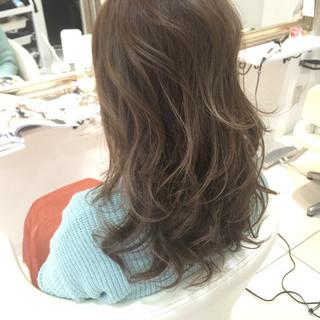コンサバ グラデーションカラー 外ハネ 大人かわいい ヘアスタイルや髪型の写真・画像