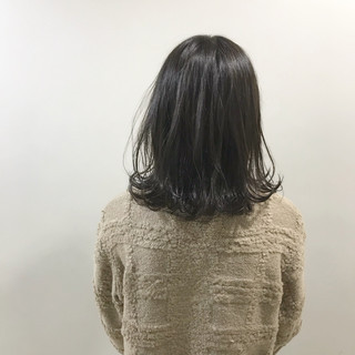 ミディアム ゆるふわ ナチュラル 切りっぱなし ヘアスタイルや髪型の写真・画像