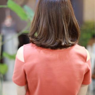 ボブ 切りっぱなし 色気 ナチュラル ヘアスタイルや髪型の写真・画像 ヘアスタイルや髪型の写真・画像