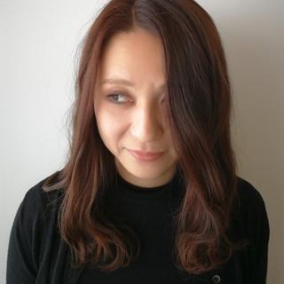 アンニュイ パーマ ルーズ ウェーブ ヘアスタイルや髪型の写真・画像