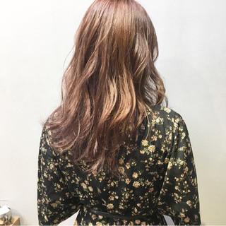 ピンクアッシュ ピンクブラウン ラベンダーピンク セミロング ヘアスタイルや髪型の写真・画像