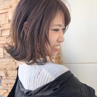 ショートボブ ナチュラル 外ハネボブ ヘアアレンジ ヘアスタイルや髪型の写真・画像