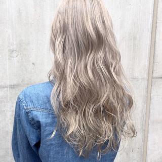 外国人風カラー 透明感 アッシュ ロング ヘアスタイルや髪型の写真・画像