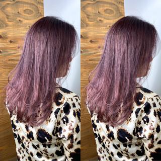ラベンダーピンク ピンクベージュ ストリート ピンクアッシュ ヘアスタイルや髪型の写真・画像