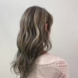 ハイライト エレガント ブリーチ ミルクティーベージュ ヘアスタイルや髪型の写真・画像