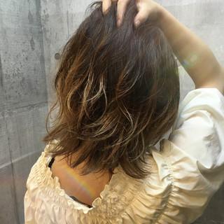 グラデーションカラー ハイライト ホワイト 外国人風カラー ヘアスタイルや髪型の写真・画像 ヘアスタイルや髪型の写真・画像
