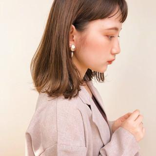 アンニュイほつれヘア レイヤーカット シースルーバング ミディアム ヘアスタイルや髪型の写真・画像
