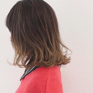 インナーカラー 外国人風 グラデーションカラー ミディアム ヘアスタイルや髪型の写真・画像