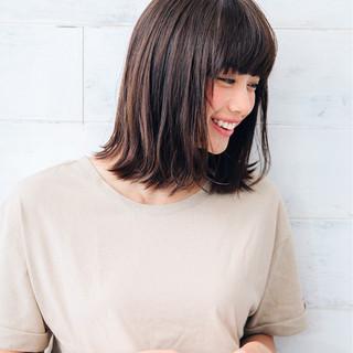 大人かわいい 透明感 ミディアム パーマ ヘアスタイルや髪型の写真・画像