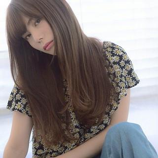 ロング 大人かわいい 透明感 ストレート ヘアスタイルや髪型の写真・画像