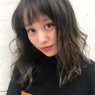 セミロング ニュアンス 外国人風 デート ヘアスタイルや髪型の写真・画像