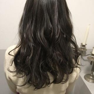 透明感カラー アッシュグレージュ セミロング グレーアッシュ ヘアスタイルや髪型の写真・画像