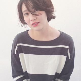 ショート アンニュイ ナチュラル 外国人風 ヘアスタイルや髪型の写真・画像