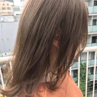 アッシュグレージュ 透明感 ナチュラル 夏 ヘアスタイルや髪型の写真・画像