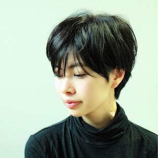 リラックス 大人かわいい ショート 黒髪 ヘアスタイルや髪型の写真・画像