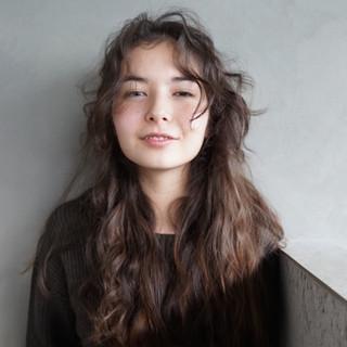 アンニュイ ロング ナチュラル 抜け感 ヘアスタイルや髪型の写真・画像