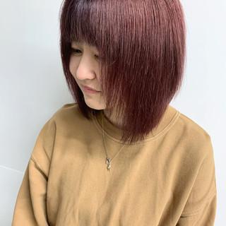 ピンク カシスカラー レッドカラー ダブルカラー ヘアスタイルや髪型の写真・画像