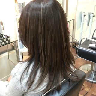 大人ハイライト ストレート モード ハイライト ヘアスタイルや髪型の写真・画像 | 白岩美郷 / 美容室Fabric(ファブリック)