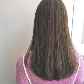 ロング 大人かわいい グレージュ ナチュラル ヘアスタイルや髪型の写真・画像 ヘアスタイルや髪型の写真・画像