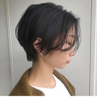 ハンサムショート 前下がりショート モード 黒髪ショート ヘアスタイルや髪型の写真・画像