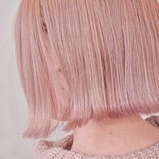 ピンクベージュ ボブ ハイトーンボブ ピンクカラー ヘアスタイルや髪型の写真・画像