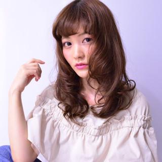 セミロング ピュア 外国人風 フェミニン ヘアスタイルや髪型の写真・画像
