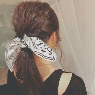ポニーテール 大人女子 秋 ロング ヘアスタイルや髪型の写真・画像