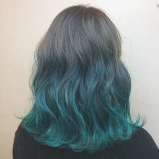 ダブルカラー ブリーチ グラデーションカラー ミディアム ヘアスタイルや髪型の写真・画像