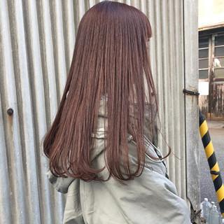 ストレート ロング オフィス ピンクアッシュ ヘアスタイルや髪型の写真・画像