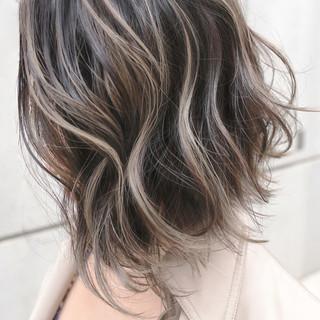 ガーリー ボブ バレイヤージュ ハイライト ヘアスタイルや髪型の写真・画像