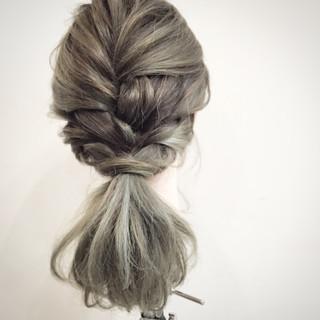 セミロング ヘアアレンジ 簡単ヘアアレンジ ロープ編み ヘアスタイルや髪型の写真・画像