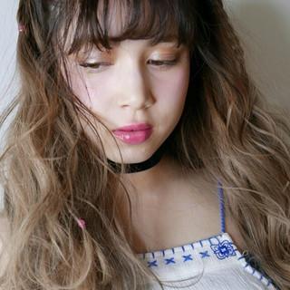 外国人風 ガーリー アッシュグレージュ ロング ヘアスタイルや髪型の写真・画像